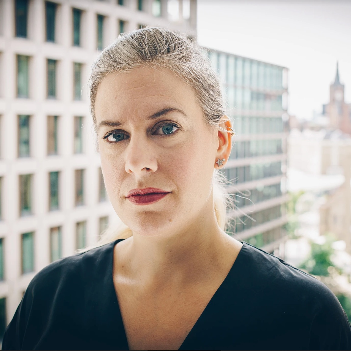 DINA LIBERG / UNIVERSAL PRODUCTION MUSIC / SWEDEN/ UK