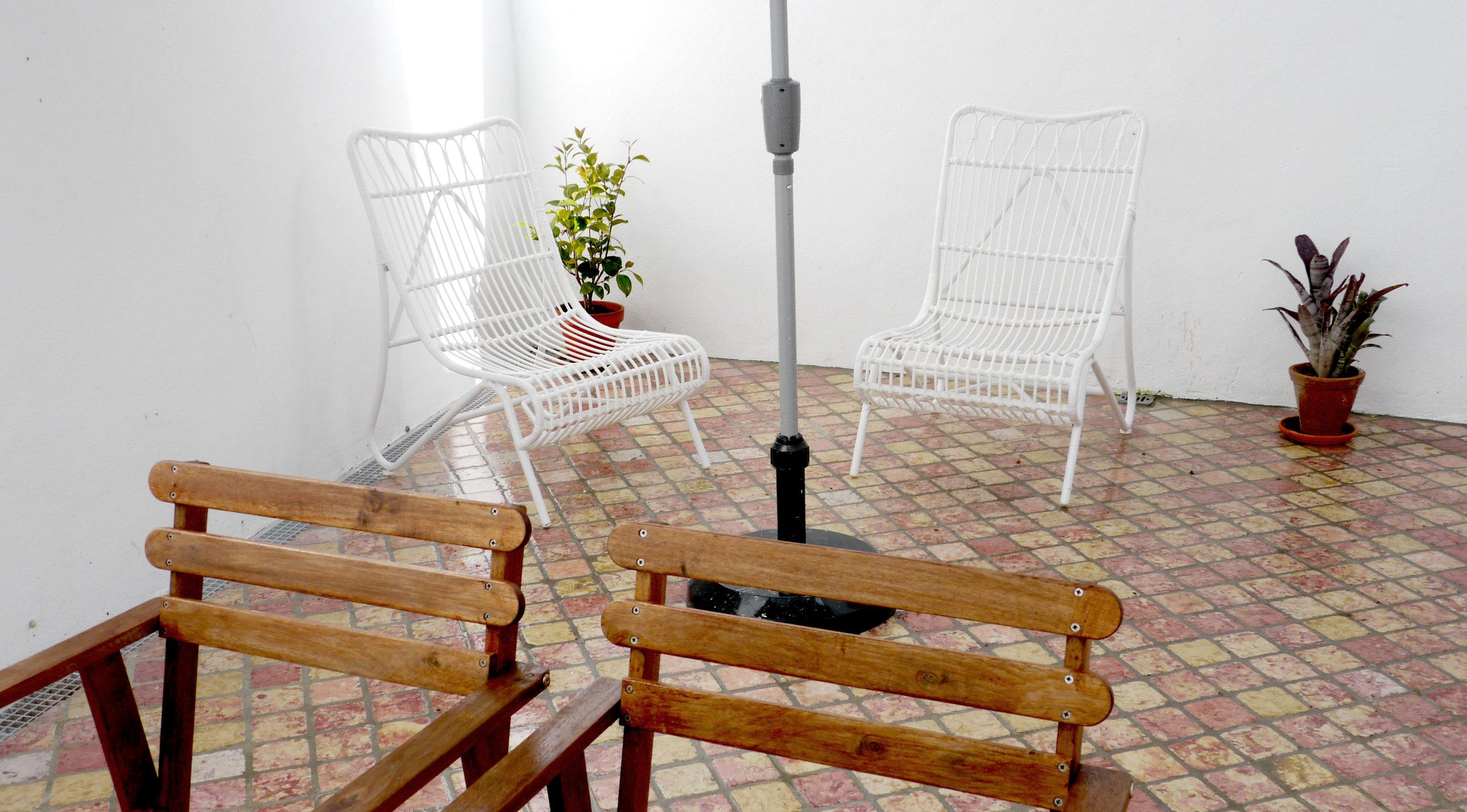 cacilheiro terraco cadeiras.jpg