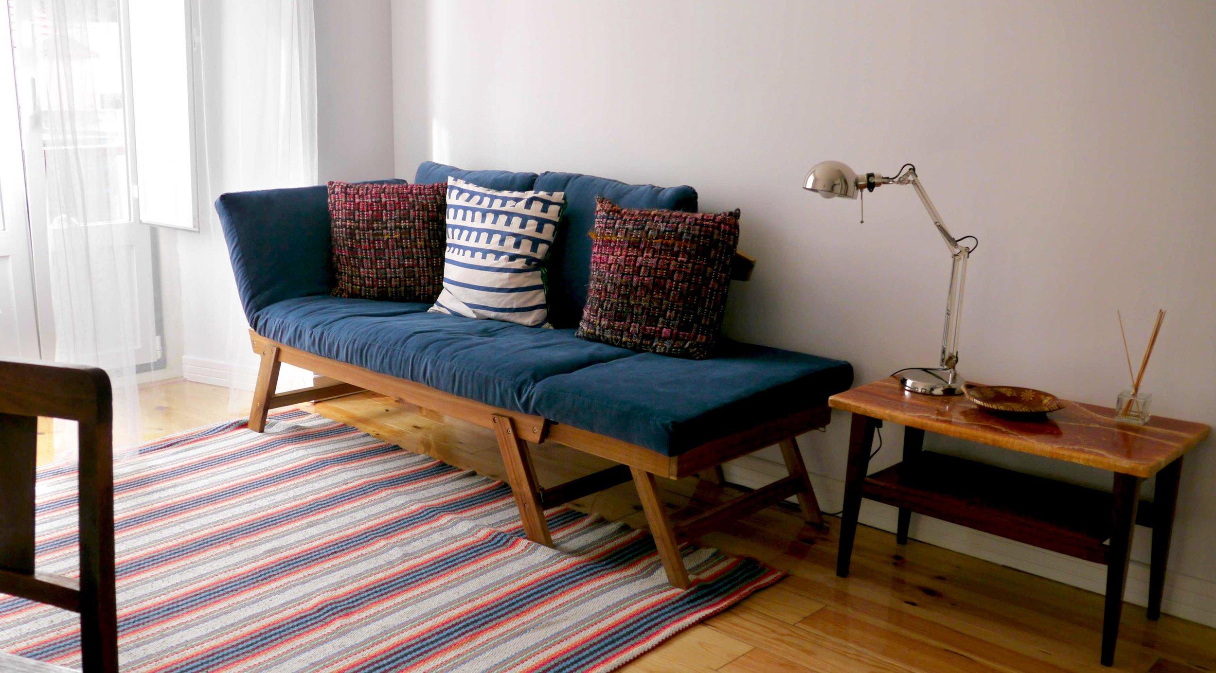 sofa falua.jpg
