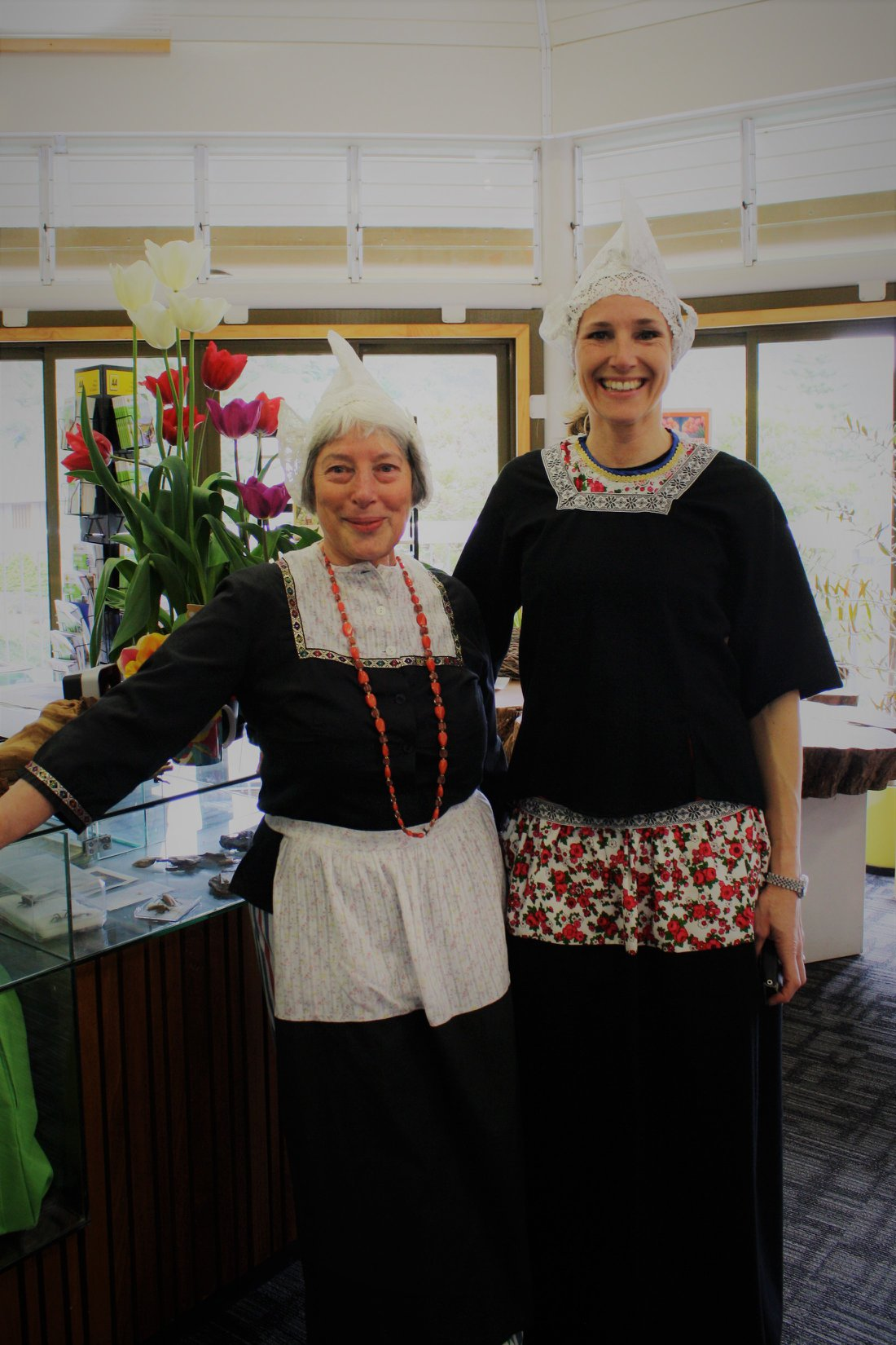Tulip-sunday-dutch-traditional-dress