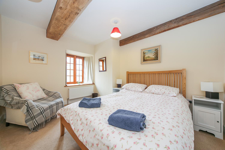 Penyrwrlodd-Farm-Cottages_bedroom.jpg