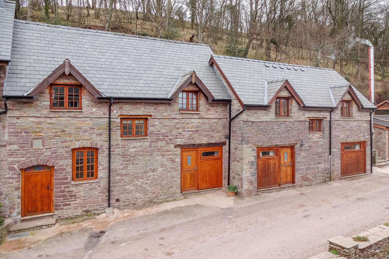 Penyrwrlodd_Bryn-Bwthyn-self-catering-accommodation.jpg
