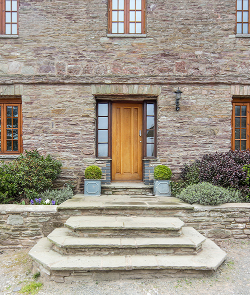 Penyrwrlodd-Meeting-House-front-door.jpg