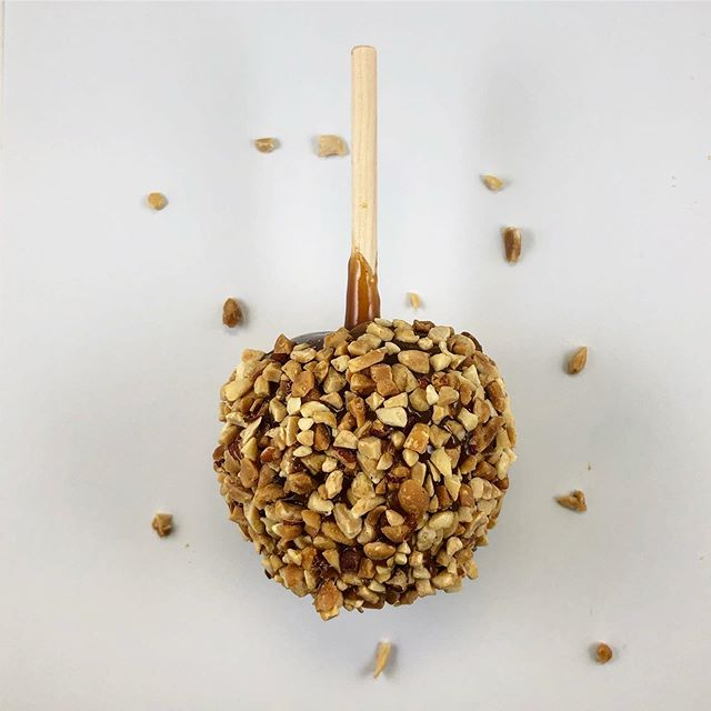 It's that time of the year! Come by today and get your caramel apples with nuts or sprinkles before the season is over! ~ • • • • Each case comes with 24 individually packed apples that are great for Halloween or lunch snacks! 😋  #caramel #caramelapples #sprinkles #peanuts #apples #fall #halloween #philly #philadelphia #pwpm #snacks