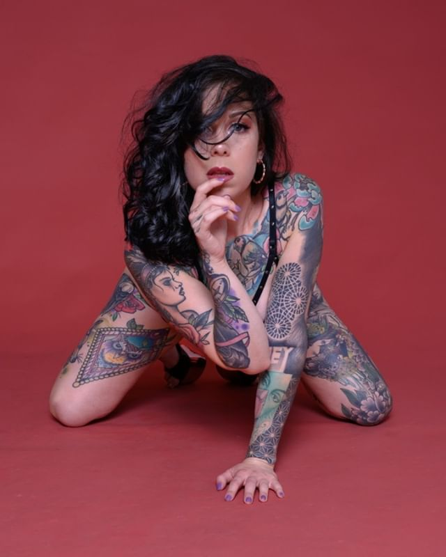 Wanting colour  Studio @inspirestudiosltd  Model @b3autiful_d3struction  #Nikon #tattoos #tattooedgirls #ink artist #tattooart #girlswithtattoos #inkedgirls #makeup #idealportrait #theworldofportraits #discoverportrait #portraitpage