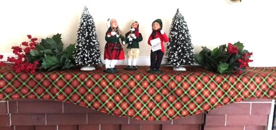 christmasmantelscarf.png