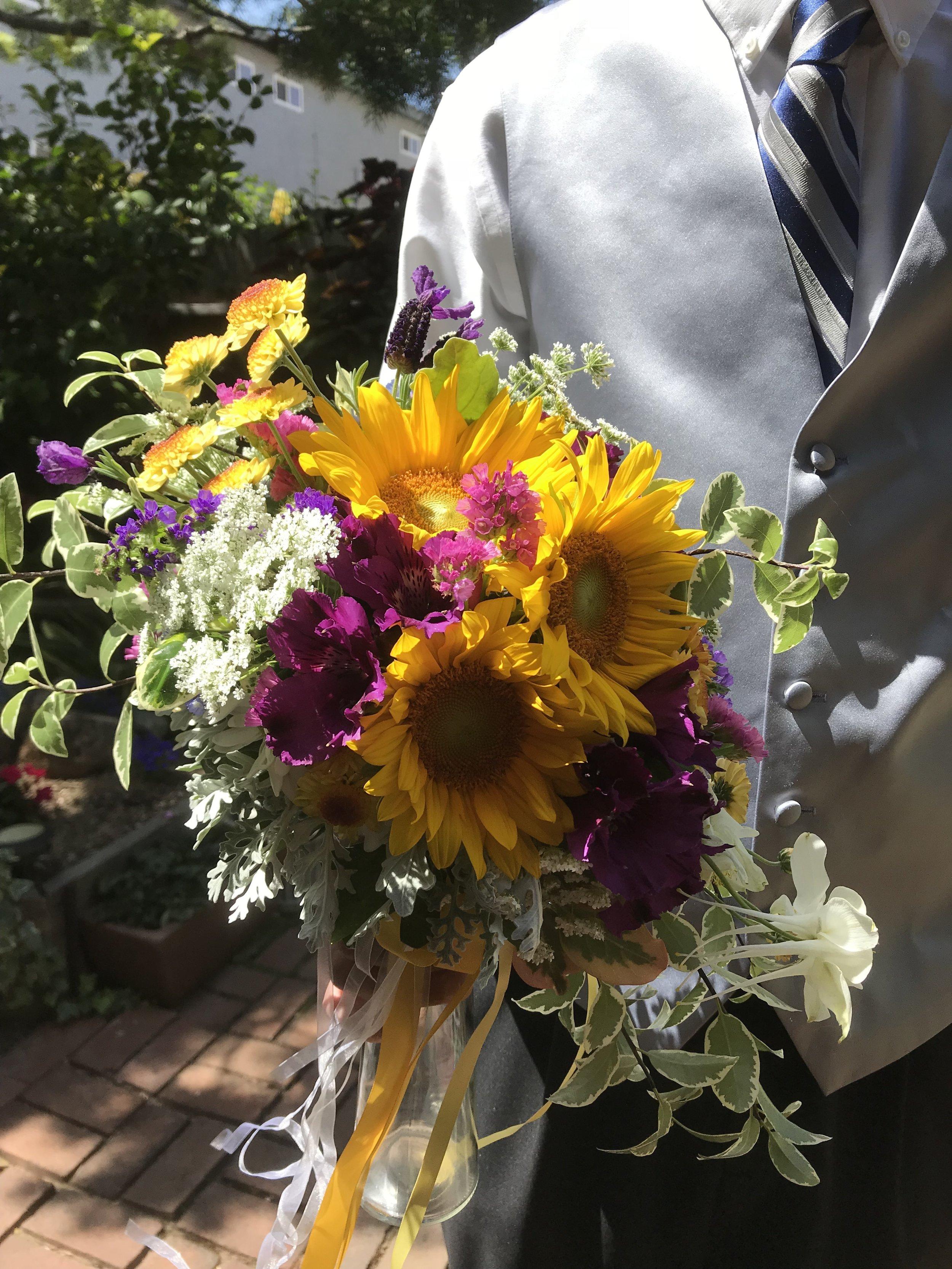 Sunflower bridal bouquet - FLO 503