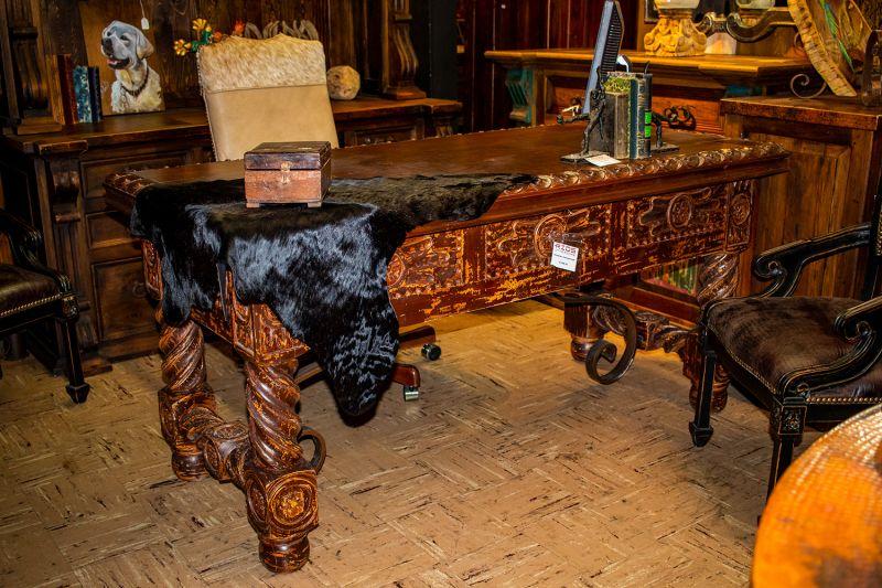 Sombrero Carved Desk