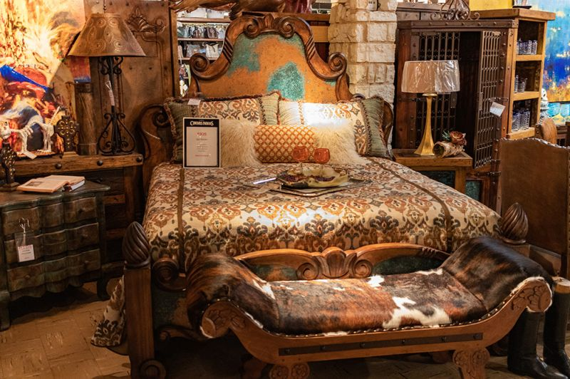 Montana King Bed