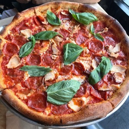 #TravelEZTuesday is featuring one of the best WHEELCHAIR ACCESSIBLE NYC pizza spots of all time. — Ignazio's | $$ | Pizza | DUMBO (Brooklyn)  Accessibility: ✅ Wheelchair accessible entry ✅ Spacious interior ✅ Standard tables/chairs ✅ Accessible restroom  Description: Directly beneath the Brooklyn Bridge, this pizzeria is one of the best known shops in all of NYC, shelling out thin crust pizza that will satisfy you for the rest of the week.