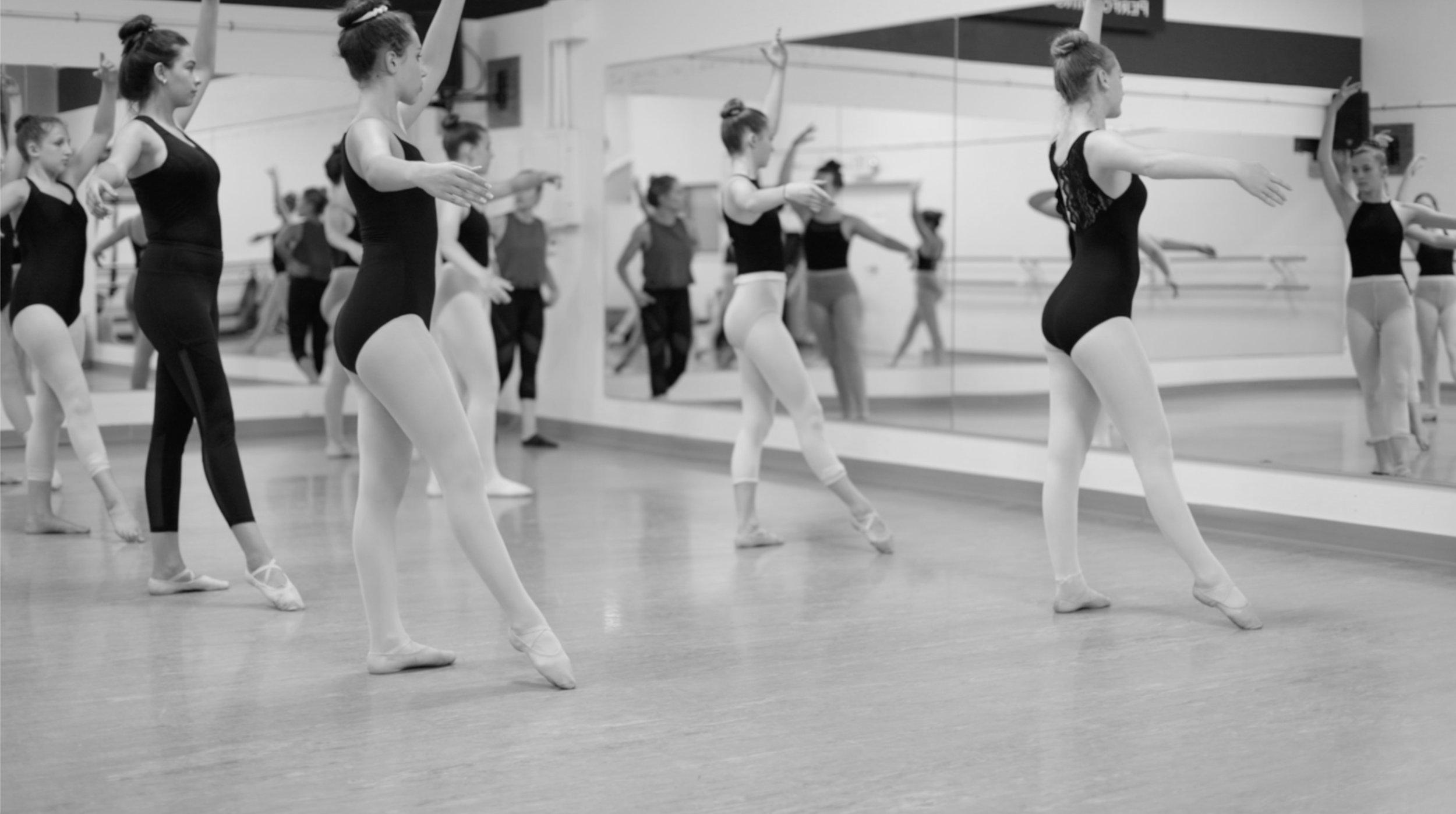 amador-ballet-studio-dance-school-zams.jpg