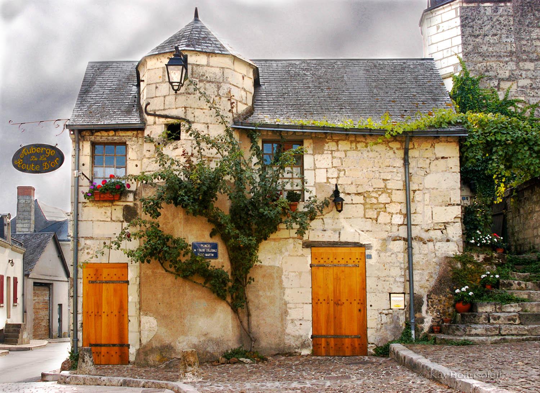 The Built Outside:  AUBERGE DE LA ROUTE D'OR