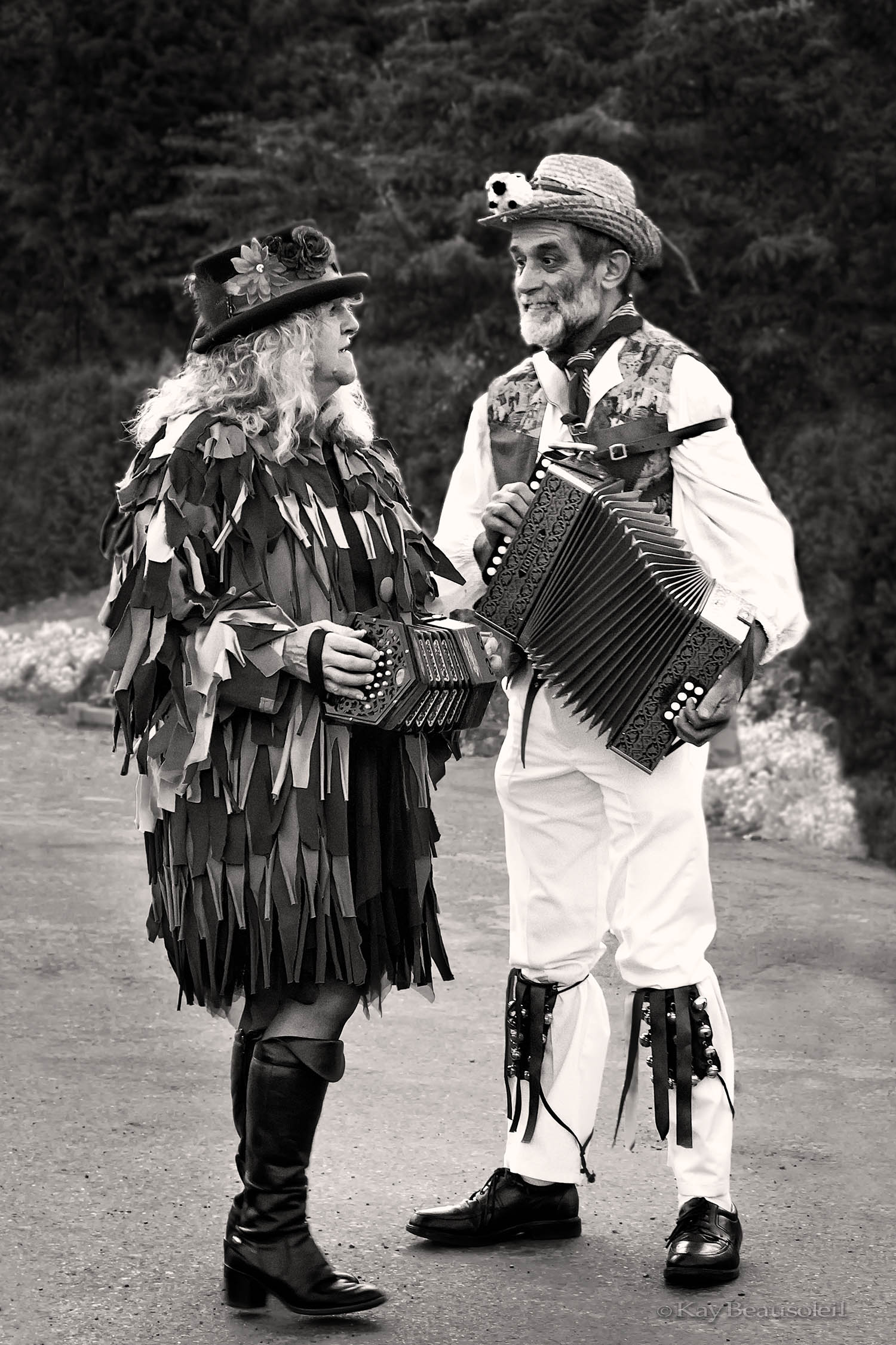 Slices of Life: INTERLUDE AT THE MORRIS DANCE