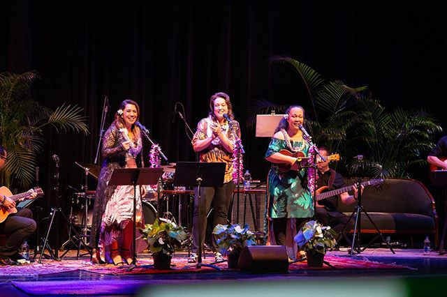 Thank you for being a part of our sold out Mother's Day Show @hawaiitheatre Mahalo to all of our sponsors @frolichawaii @honolulumag @espnhonolulu @ksskhawaii @edanddons and @721_llc_e_ala_e We loved hearing from our fans, and consistently heard, my Mom left feeling special and honored! Sign up for our Na Leo newsletter for special offers, promotions, and new products. www.naleopilimehana.com Photo: @daphotochick Outfits: @kinizamoraofficial