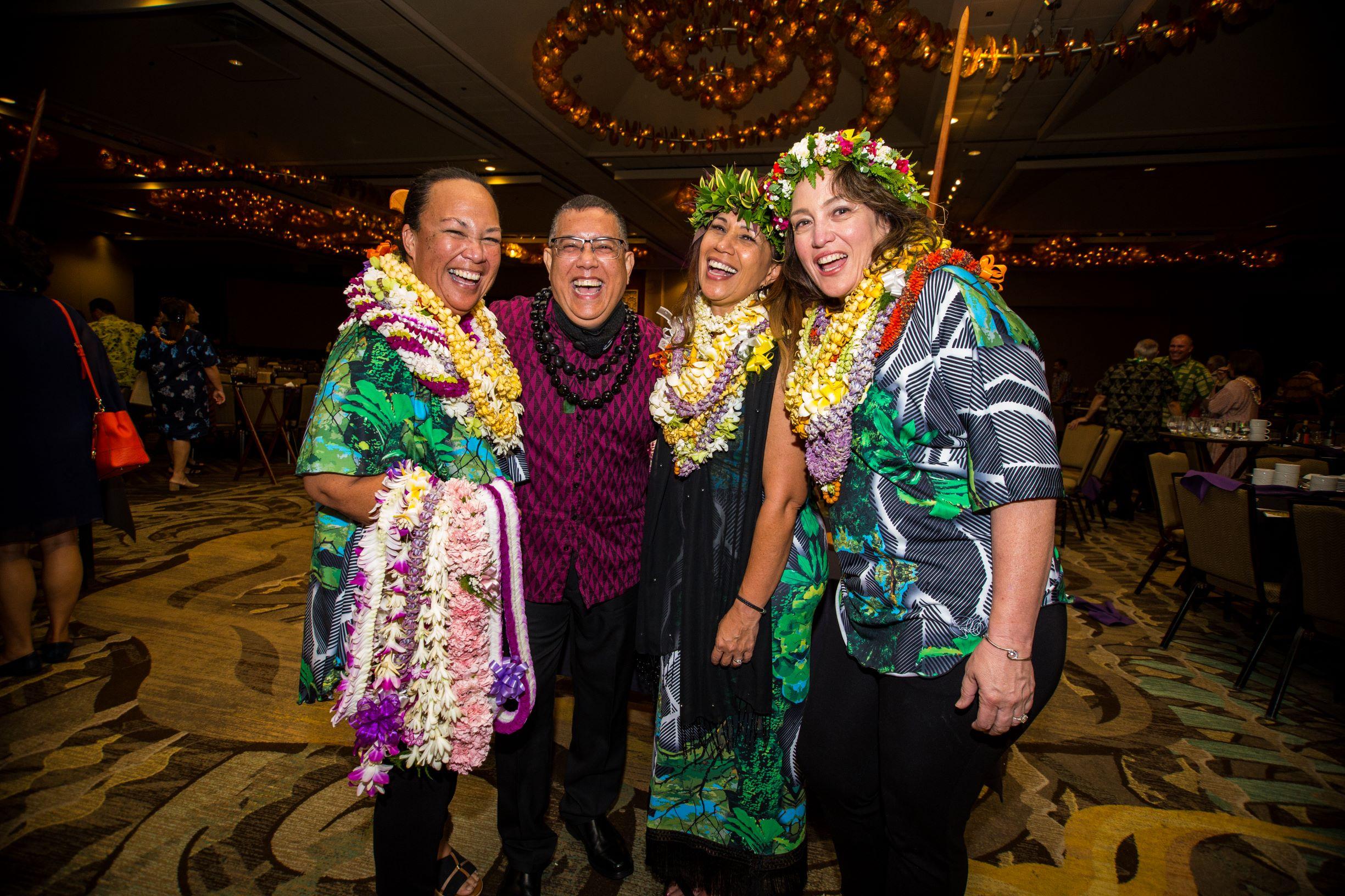 NLP_OʻO Awards_399FAV - SMALLER.JPG