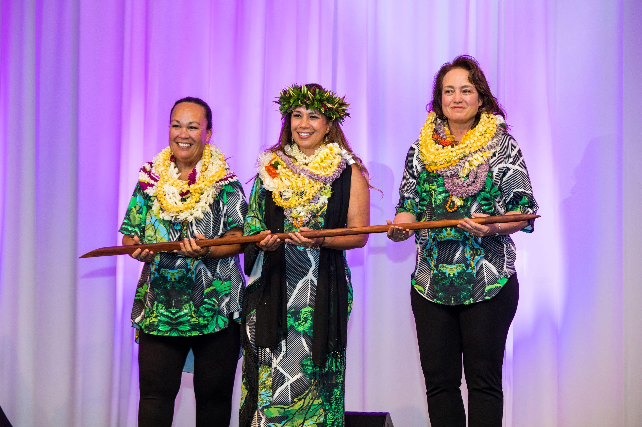 NLP_OʻO Awards_229FAV - SMALLER.JPG