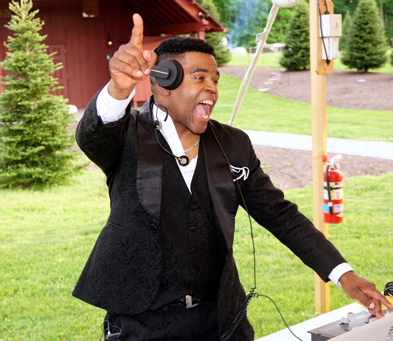 Kenny Quintero: DJ/Master of Ceremonies