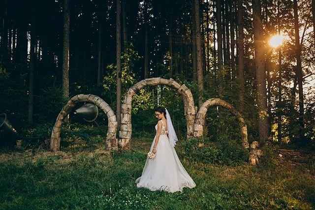 """Unser Leben kann nicht immer voller Freude, aber immer voller Liebe sein."" 💖💕 #hochzeit #liebe #wedding #hochzeitsfotografie #shooting #braut #blumen #bouquet #blumenstrauß #kleid #hochzeitskleid #fotoshooting #lieblingsmensch #love #liebe #bride #flowers #married #justmarried #beautiful #bokeh"