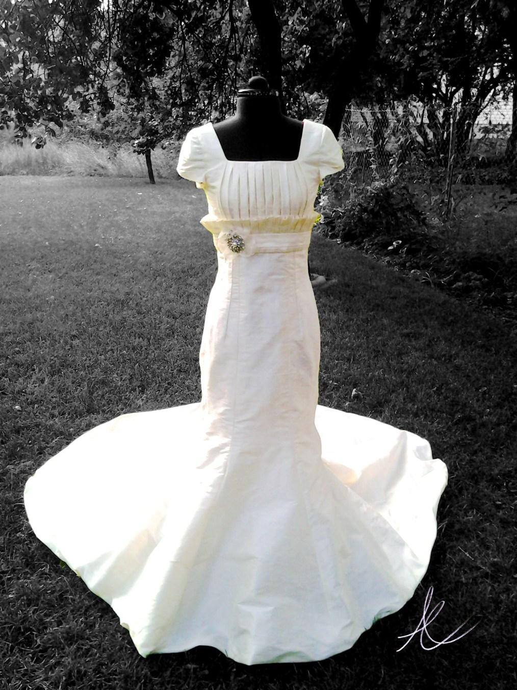 Ruffled wedding dress on outdoor photoshoot