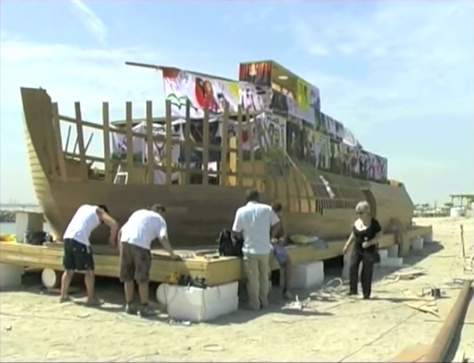 Ship-of-Tolerance-Sharjah-2011-6.jpg
