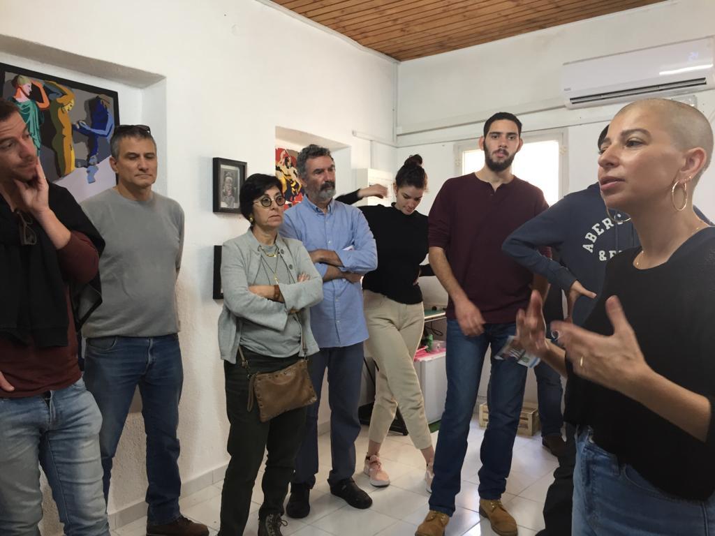 Hosting Gallery Talk