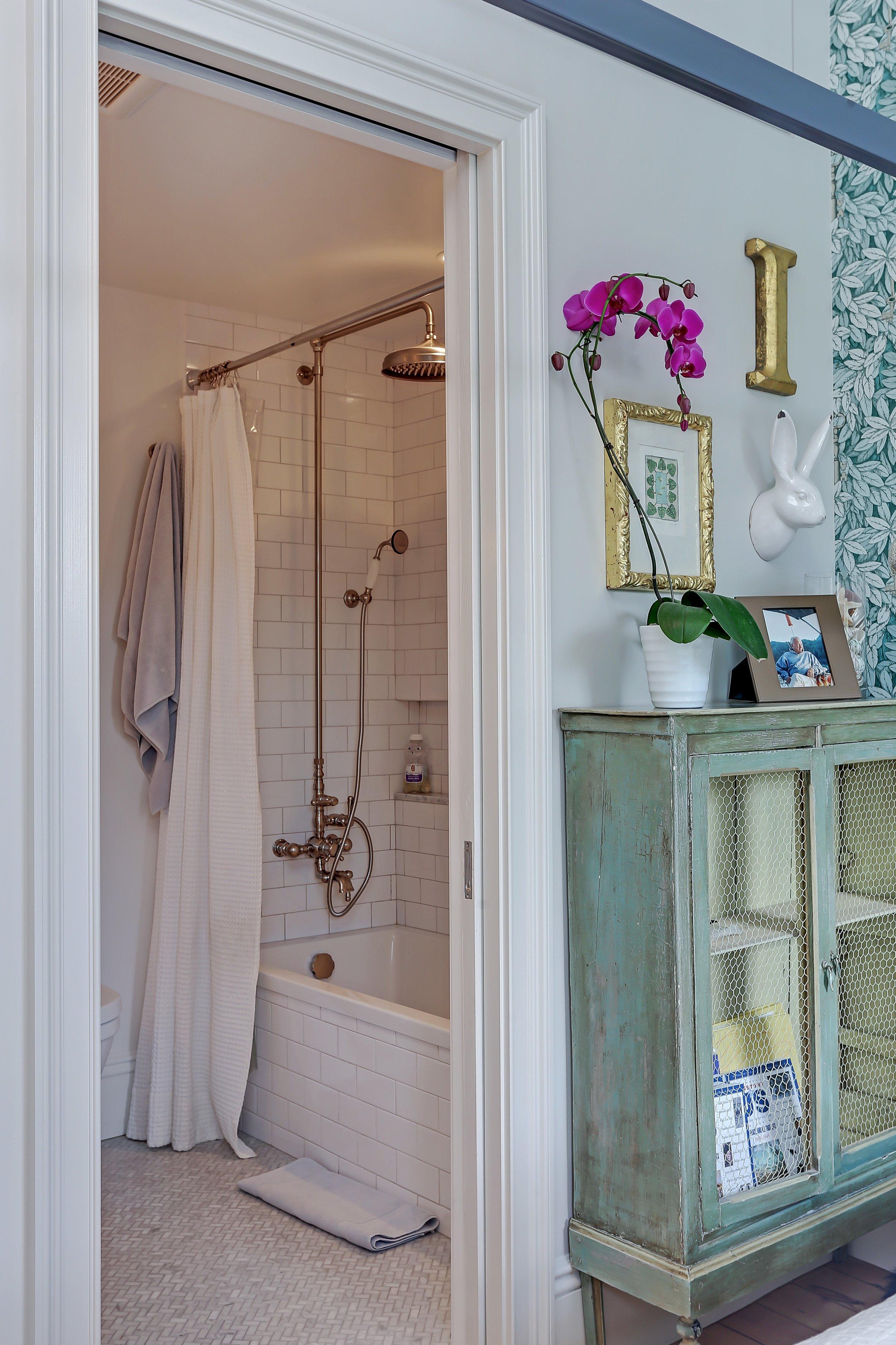 11_355PresidentSt_8_Bathroom_HiRes.jpg