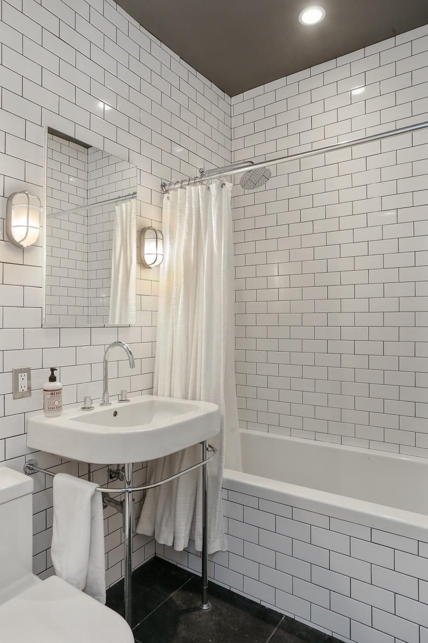 11_238KaneStreet_8_Bathroom_HiRes.jpeg