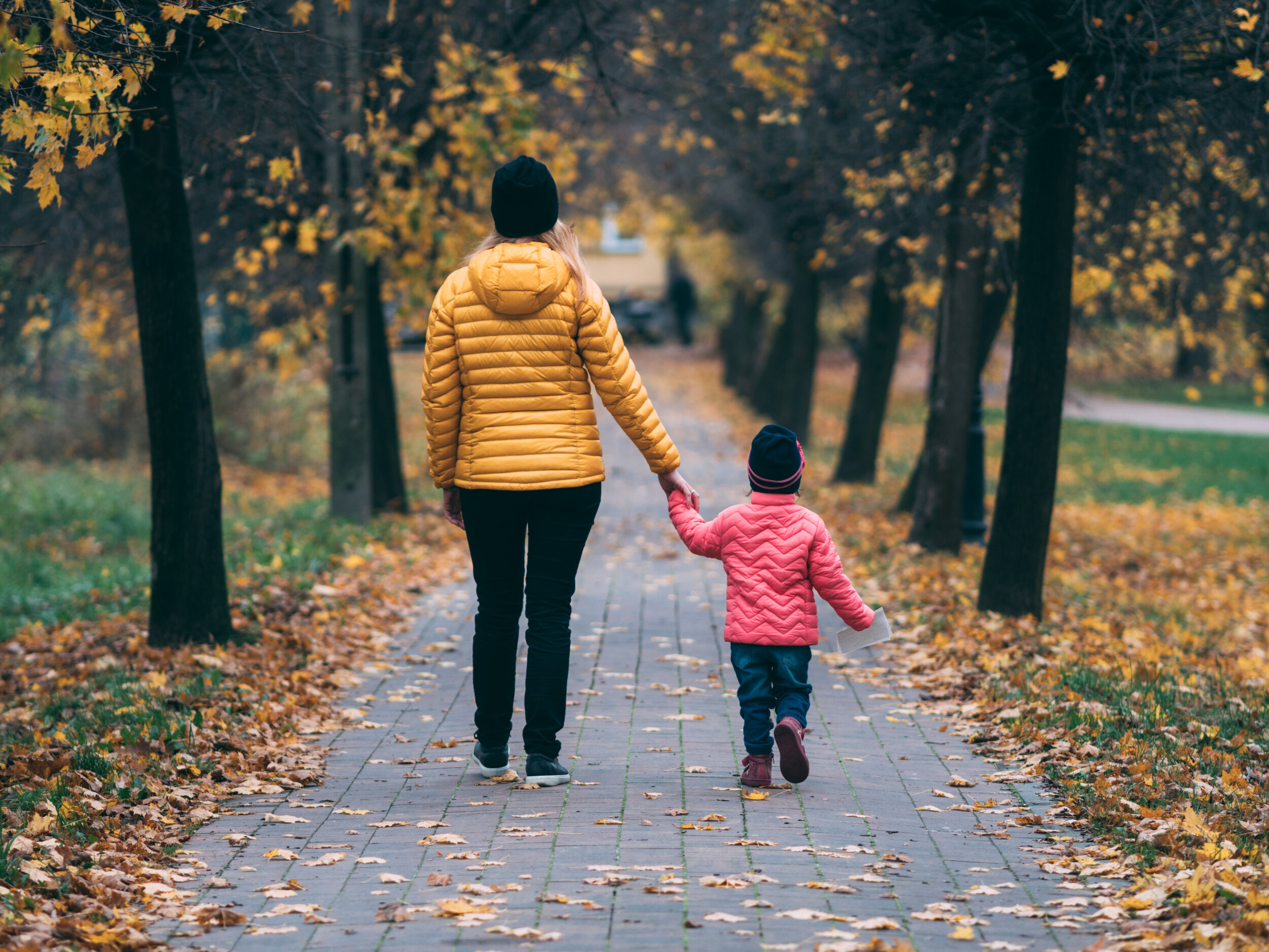 Walking is one of the most gentle and effective exercises for asthma patients.