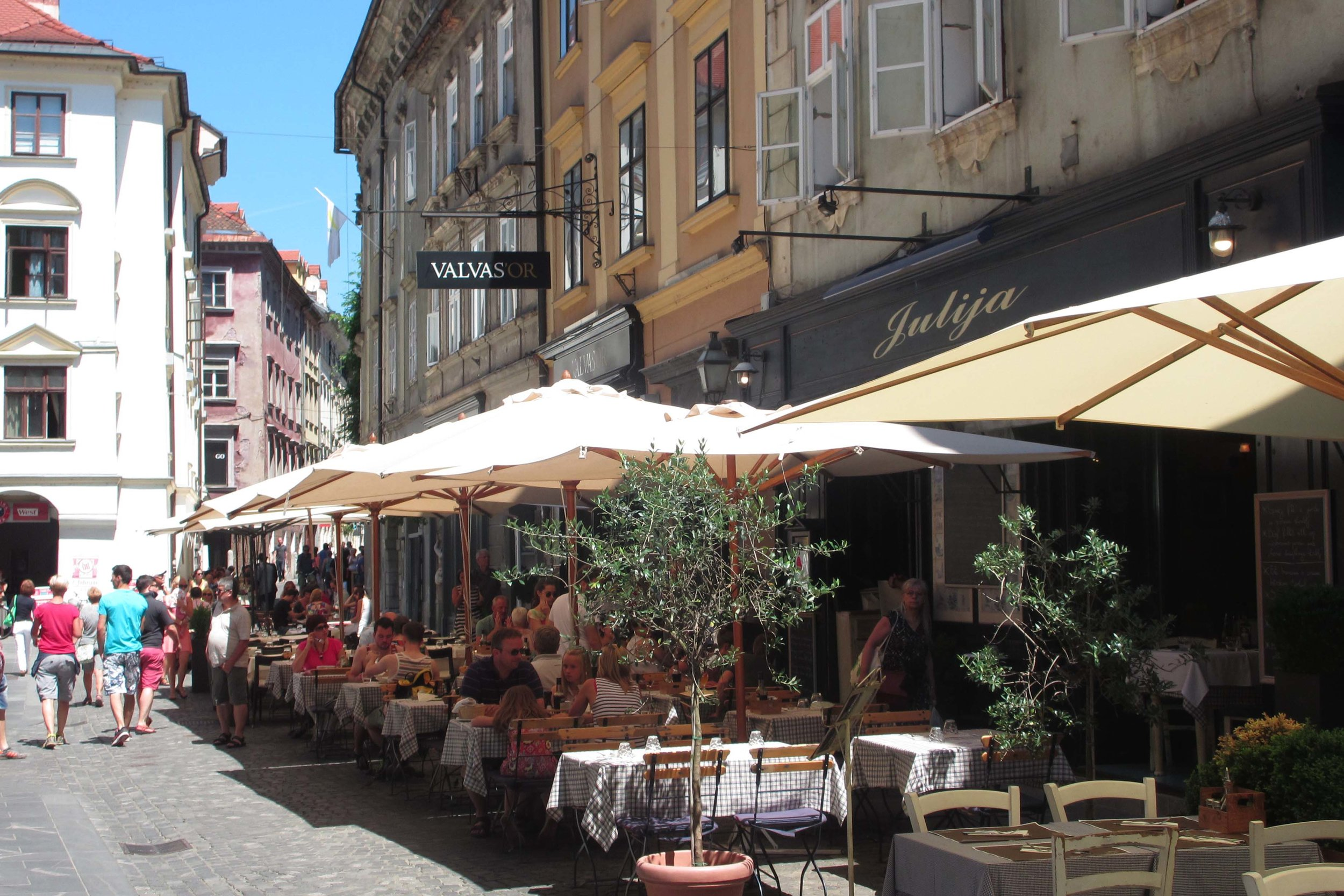 It's lovely to wander Ljubljana's pedestrian-friendly streets without having to look out for traffic © Sarah Reid