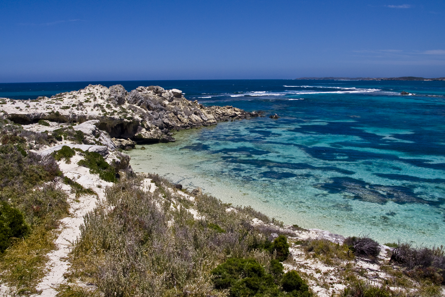It's not difficult to see why Rottnest Island is a popular escape from Perth. Image by Anhgemus Dinh / Flickr
