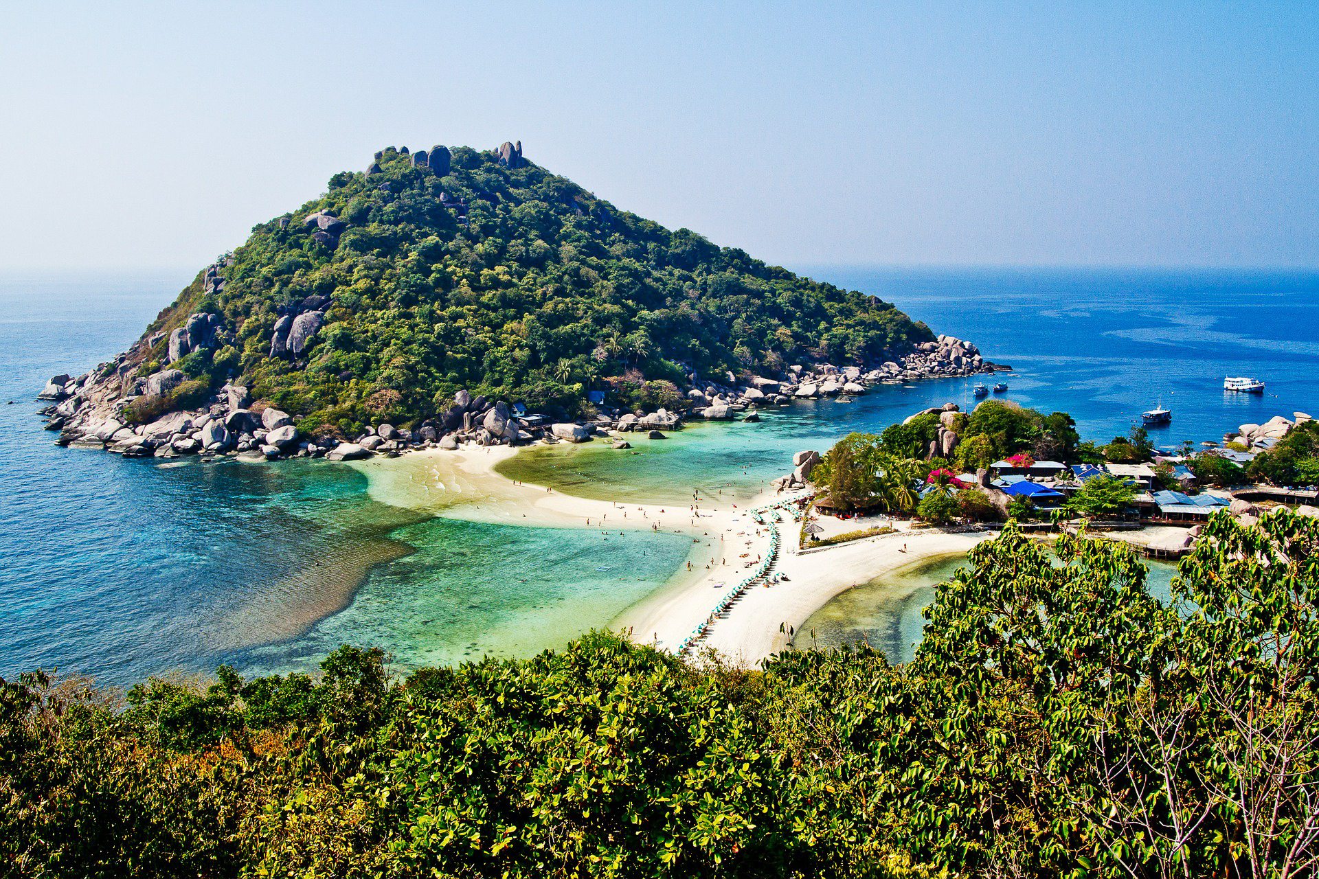 Ko Tao is pretty busy these days, but it's still beautiful. Image by  Poswiecie