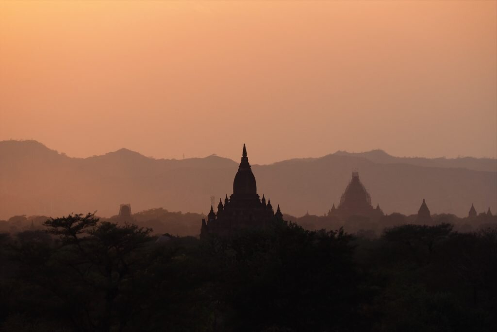 Help preserve Bagan's iconic temples by keeping off them © Sarah Reid