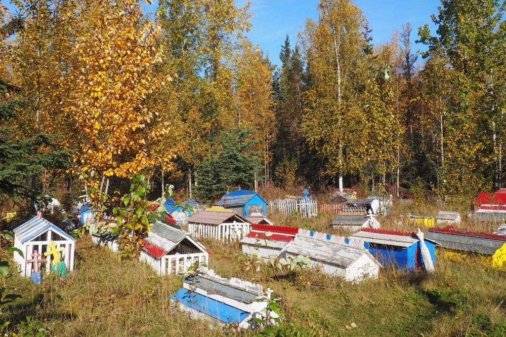 Burial spirit houses in Eklunta, near Anchorage © Sarah Reid