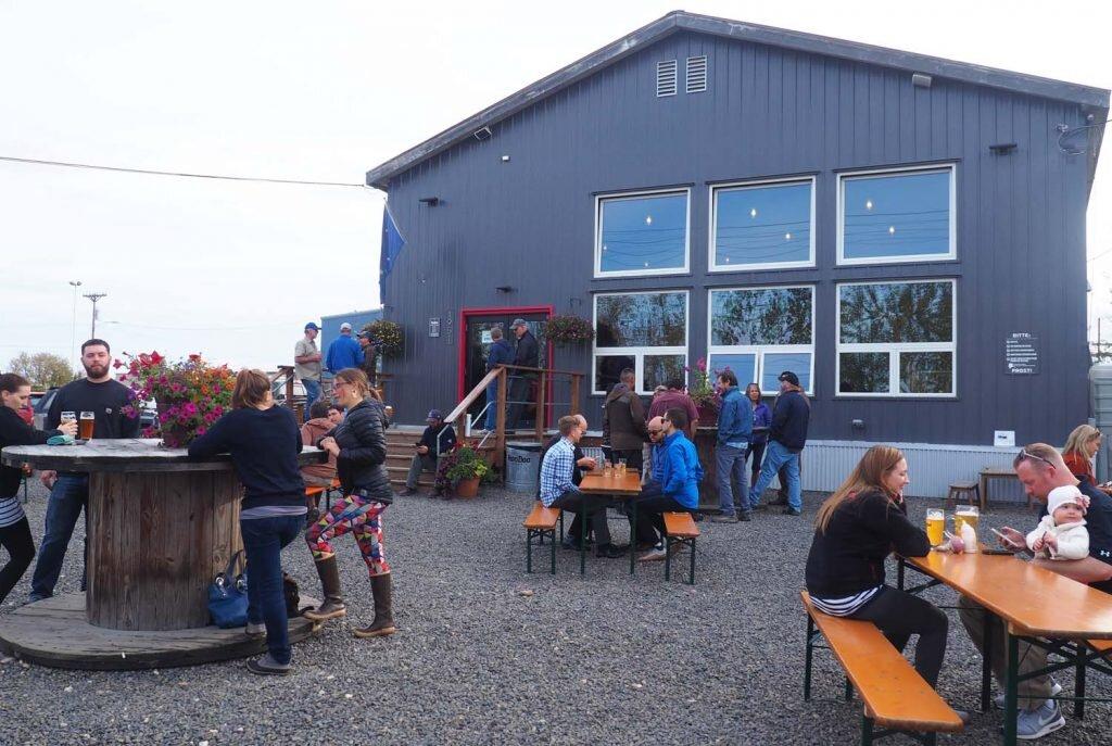 Nice afternoon for a HooDoo brew in Fairbanks © Sarah Reid