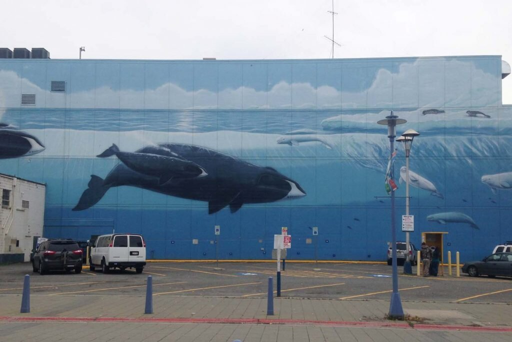 Just one of the colourful murals you'll see around Anchorage © Sarah Reid
