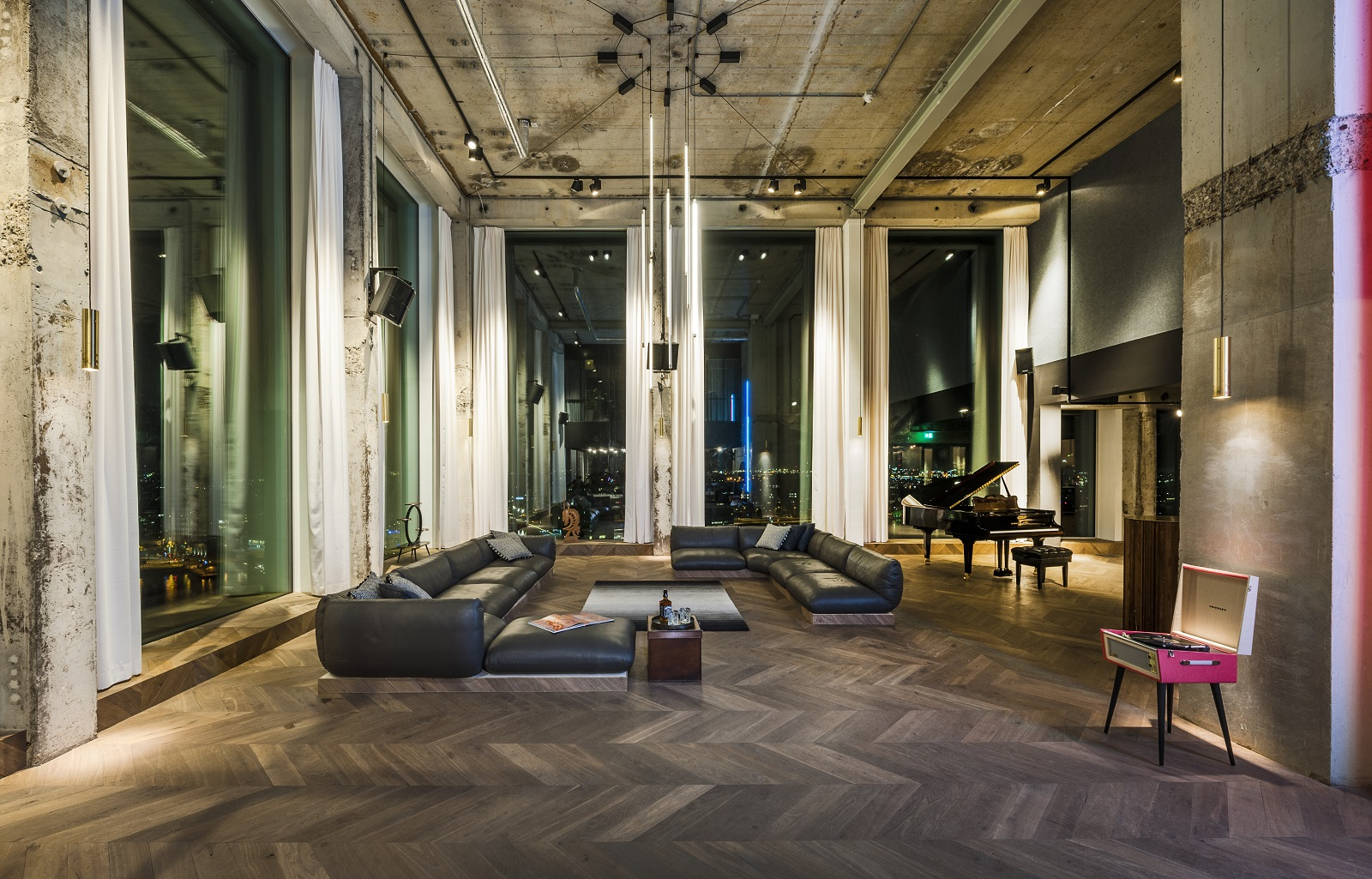 26_Adam_The_Loft_Amsterdam_interior-design-by-TANK_Tommy-Kleerekoper_Sanne-Schenk_Photography-by-Teo-Krijgsman_0361.jpg