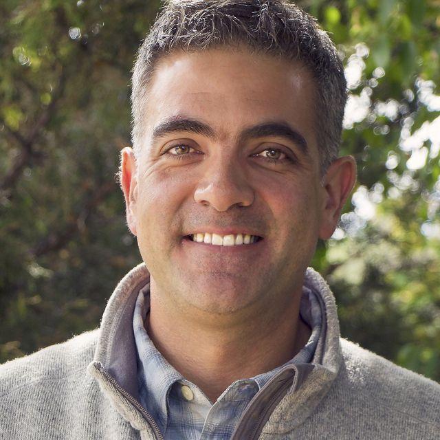 Moderator - Carlos Fernández