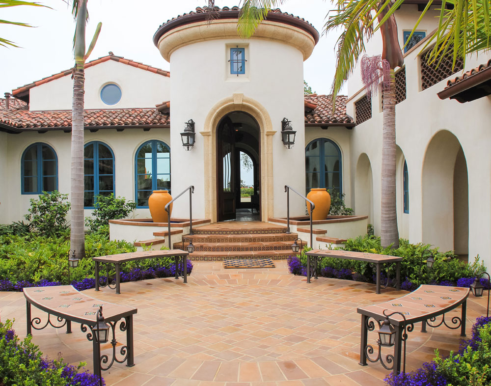 Sweepstakes Award winner Hacienda Pacifica by Allen Landscape, sponsored by Ewing Irrigation