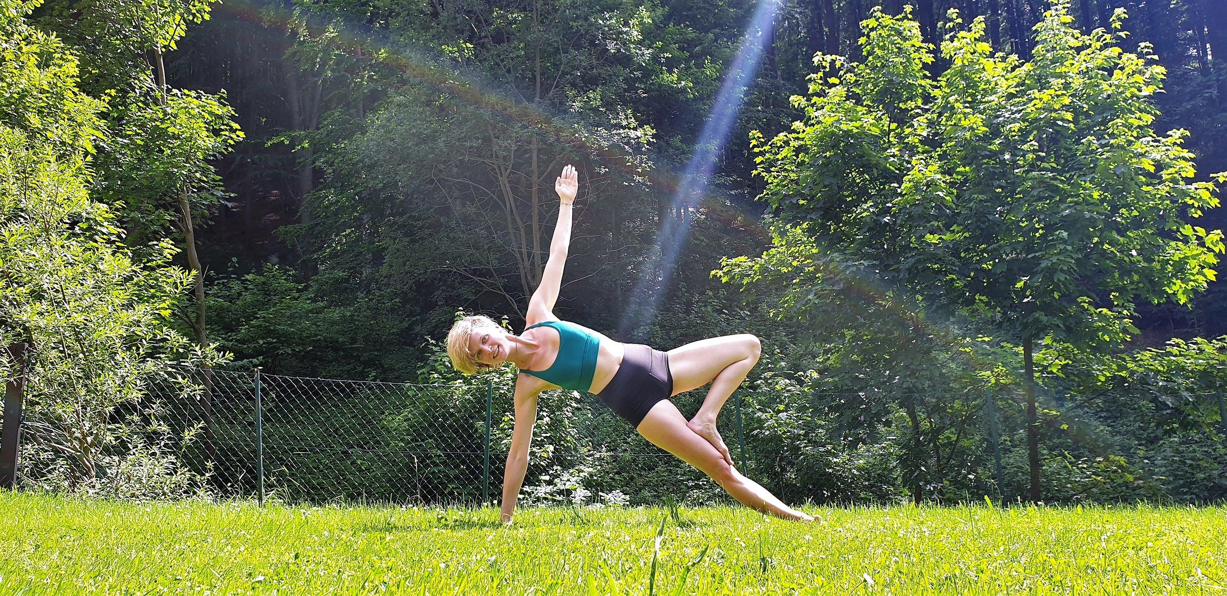 Yoga im Garten - Wann: jeden Mittwoch, 18:30-20:00Wo: im Garten meines ElternhausesFellinggraben 3, 3021 Wolfsgraben