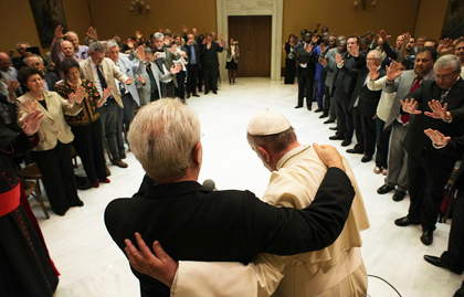 Some evangelical leaders pray with Pope Francis in May 2015