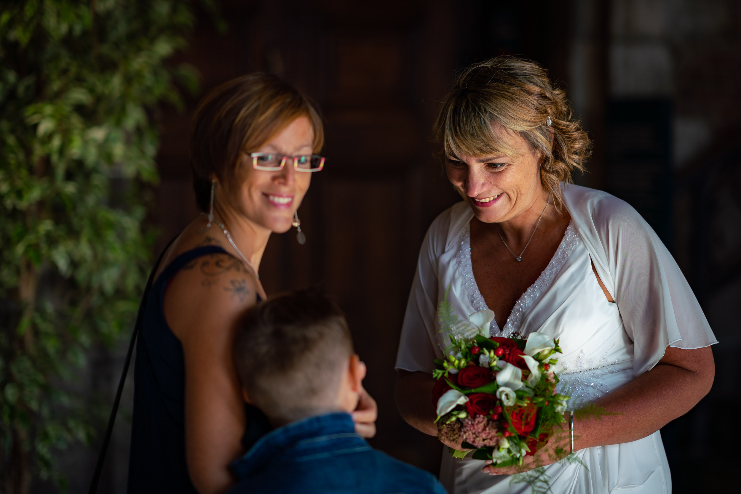 Happy wedding near Brussels directed by an event photographer