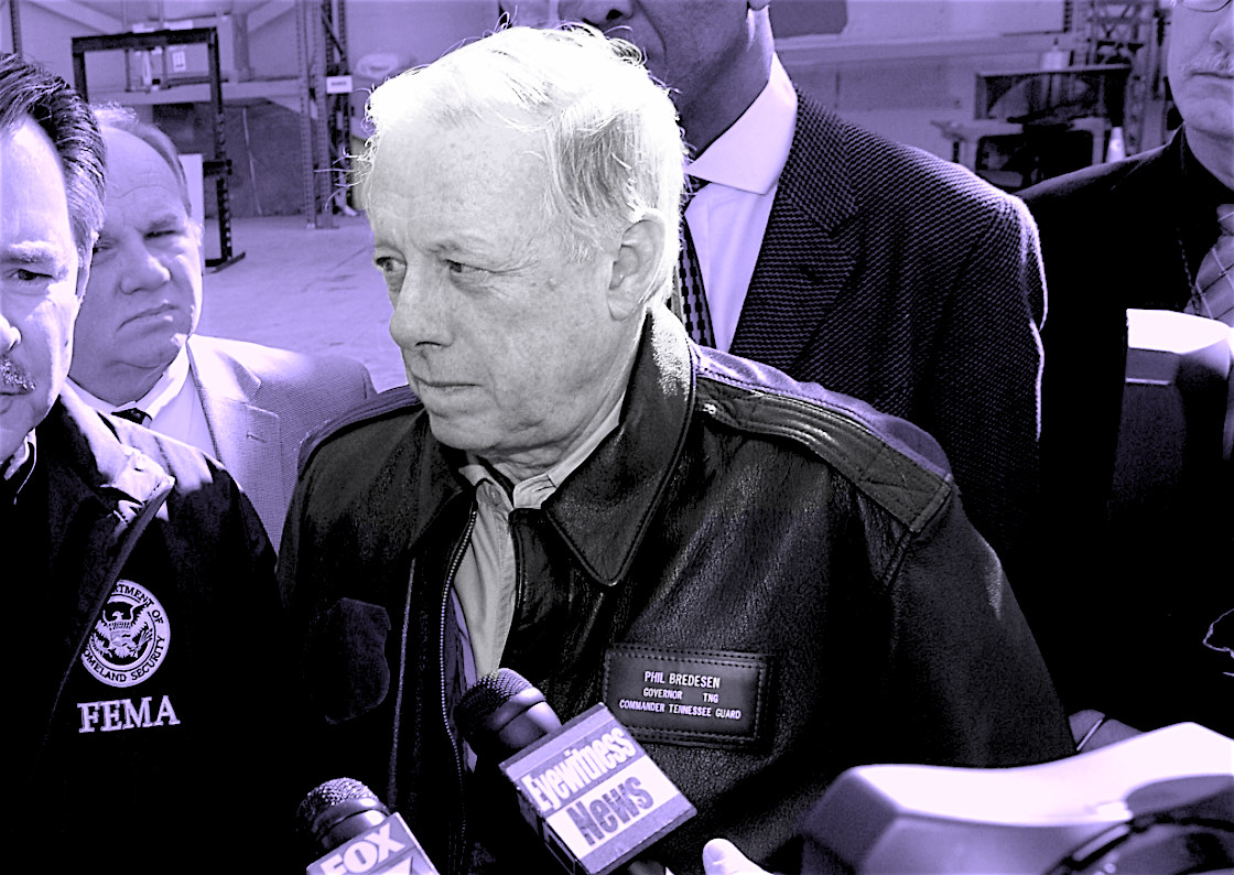 Gov. Bredesen talks to reporters with FEMA administrator David Paulison in the Pinnacle hanger at the Memphis airport.  Photo by Jocelyn Augustino