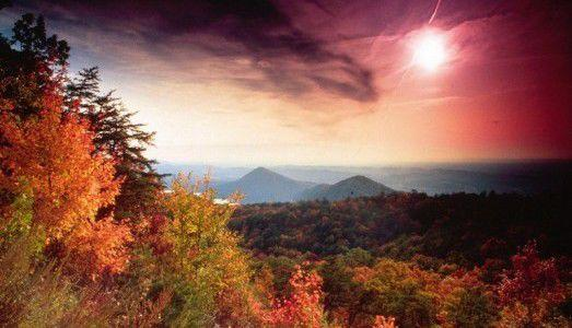 Chilhowee Overlook in the fall (Photo: tnvacation.com)