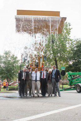 Standing together, Lee faculty completed the ALS Ice Bucket Challenge.(Photo by Peri McIntosh)