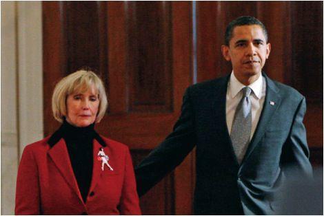 Lilly Ledbetter and Barack Obama (Photo: Bloomberg News)