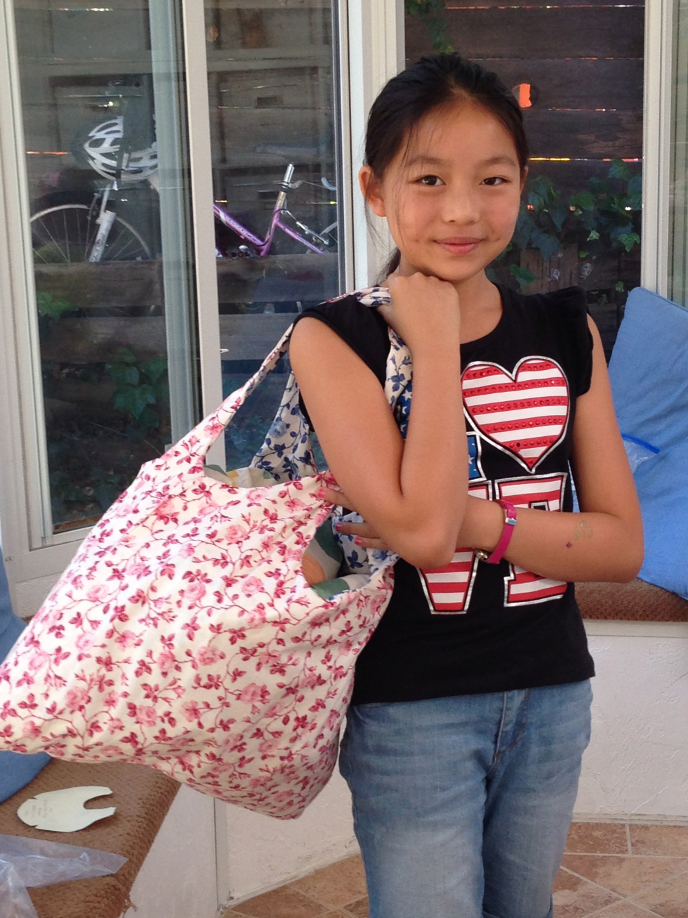 6th grader bag – to hold all her letter pillows from yesterday :o).