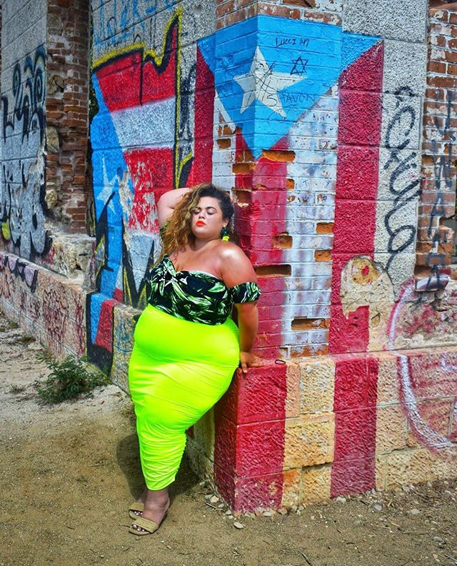📸 @gabriellalascano  is always a vision no matter here she is. And she ALWAYS reps #puertorico HARD. She may not remember but just a few years ago, she sat down with me at the #fffweek boat cruise and poured out her heart proclaiming her dreams and how she would build her empire in the #plussize community. Through her tears I felt her determination. It's amazing to see where she is just 4 years later she is a sponsor for many brands including her own. We see you #kurvygirl 👸🏻KEEP GOING. We're all rooting for you. #kurvygirlstravel