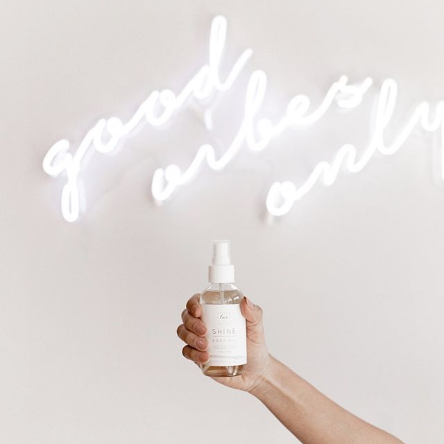 Have you tried and loved our Shine Body Oil? Leave a ☀️ emoji in the comments if you have!  And if you haven't, what are you waiting for? It's the best self-care at home and on the go product you will ever have.  Taking care of your skin while still running your empire just got a whole lot easier. ✨ #luvnailshop