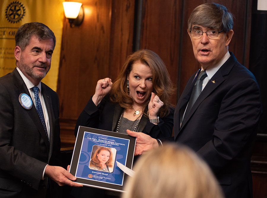 Stephanie Blank receives the 2018 Humanitarian Award.
