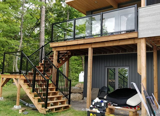 Glass and Picket Deck Railing